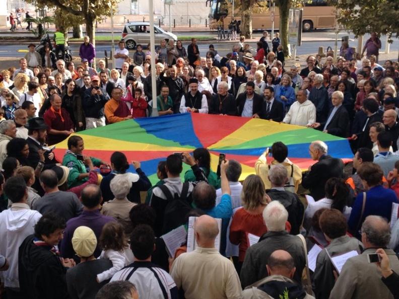 Vidéo de La Marche pour la Paix du 3ème Festival du Vivre ensemble à Cannes !!